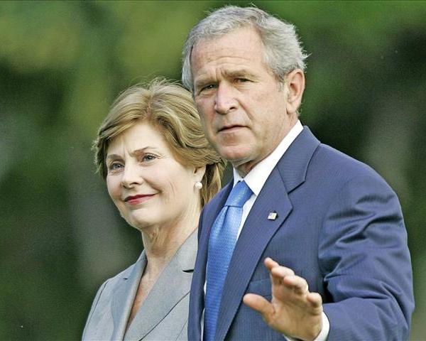 George and Laura Bush_48438