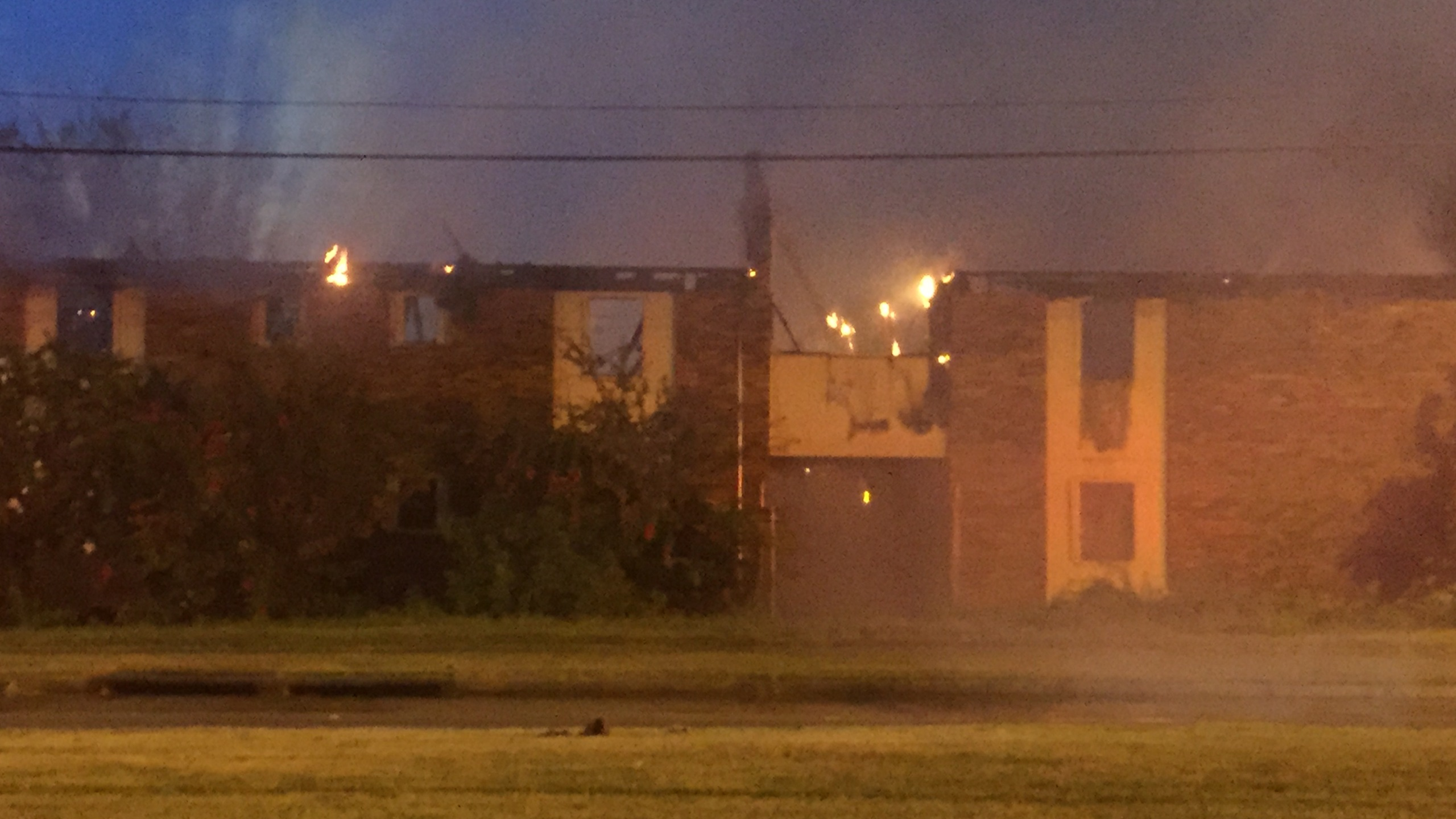 abandoned apartment fire_55915