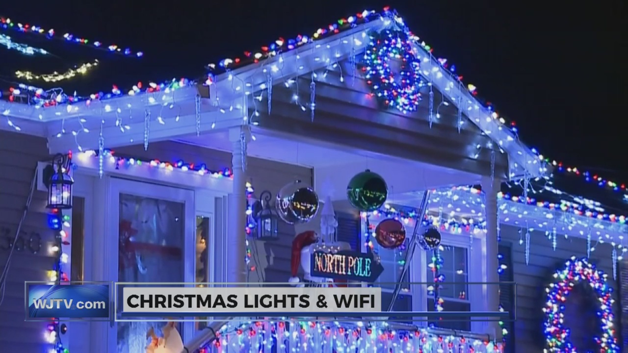 Christmas lights and WiFi_107736