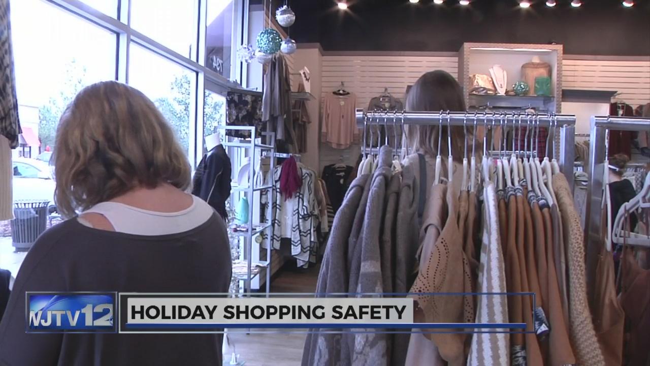 Holiday safe shopping_115108