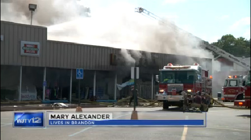 Fire blazes through Dollar General in Brandon_211722