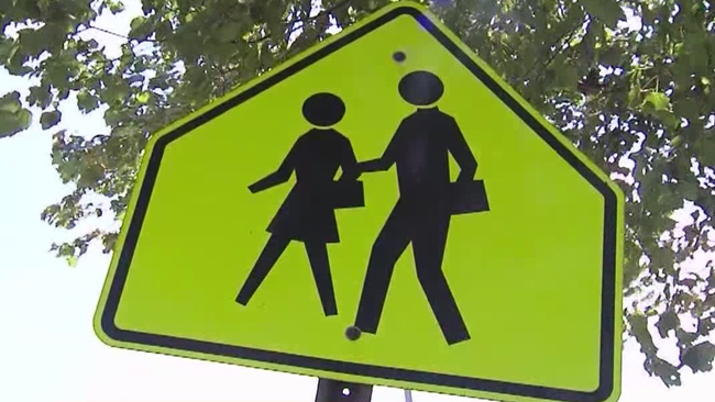 school_crossing_215845