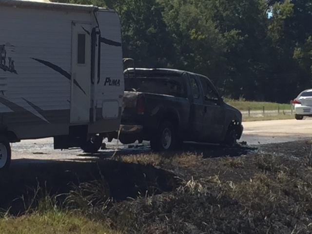 vehicle-fire-09292016-by-malary-pullen-wjtv_223041