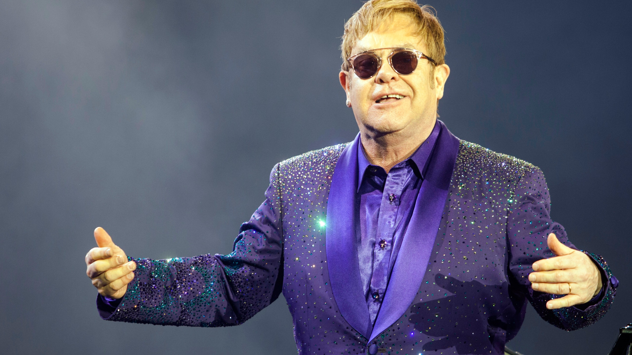 Britain Elton John_228825