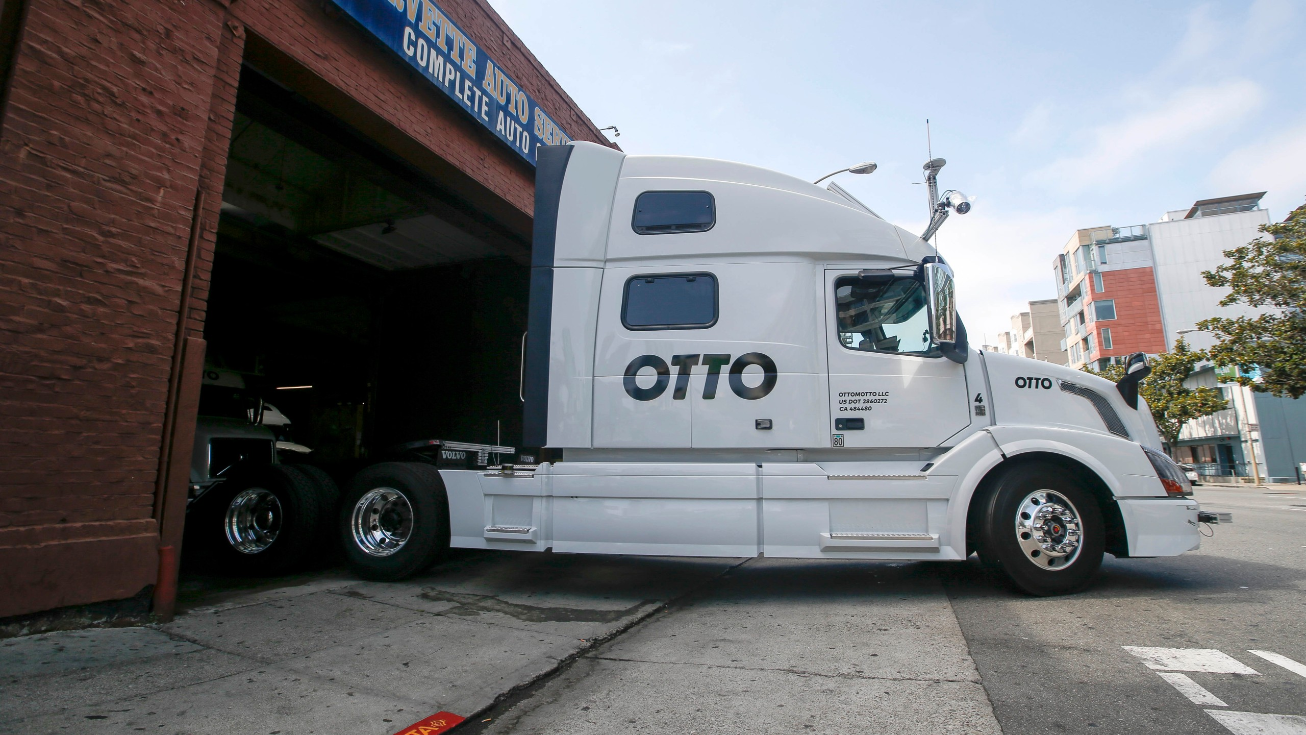 FILE PHOTO Otto Self Driving Truck Photo by Tony Avelar, AP Photo_233494