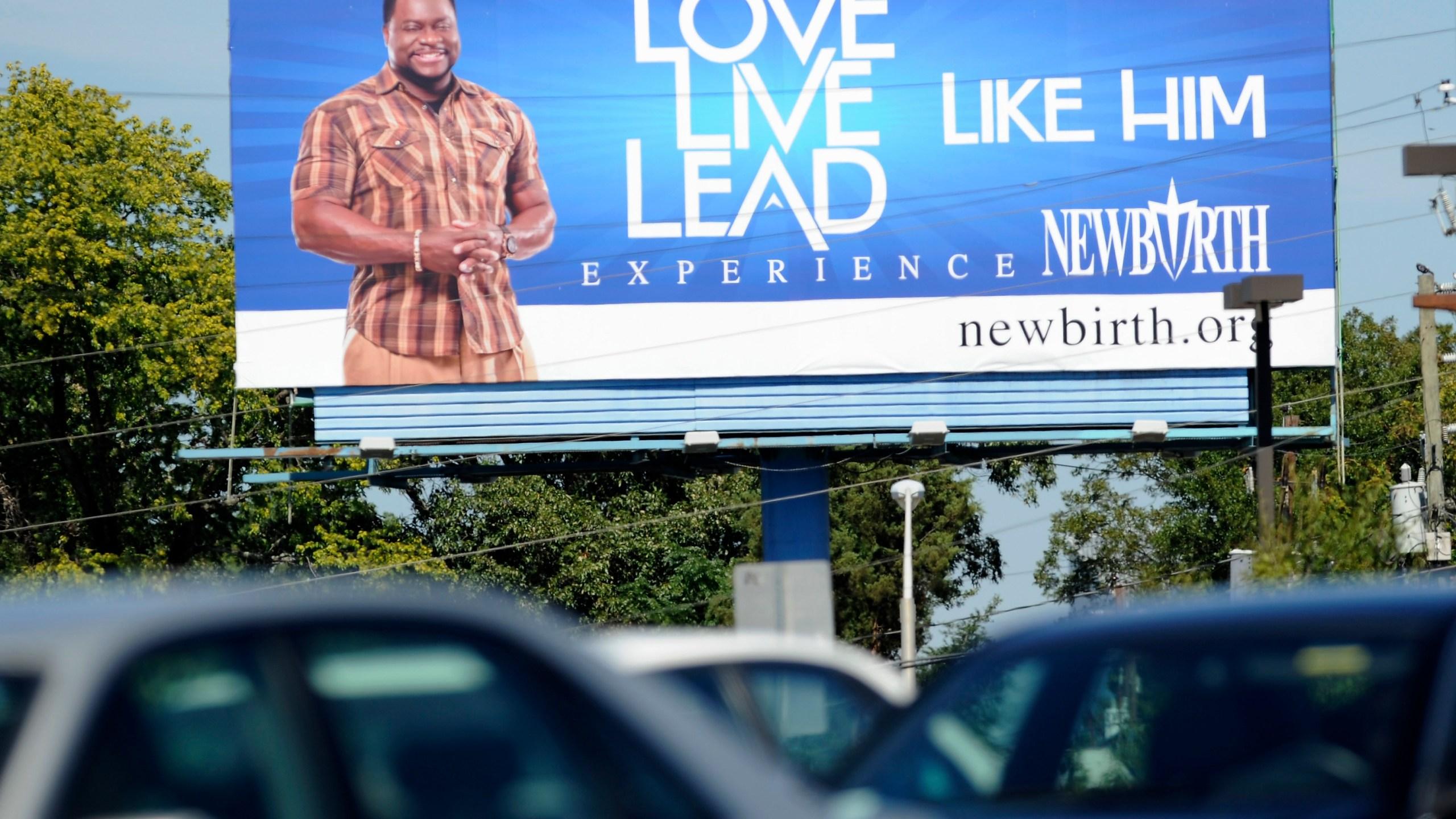 Bishop Eddie Long Photo by Mike Stewart, AP Photo_270084