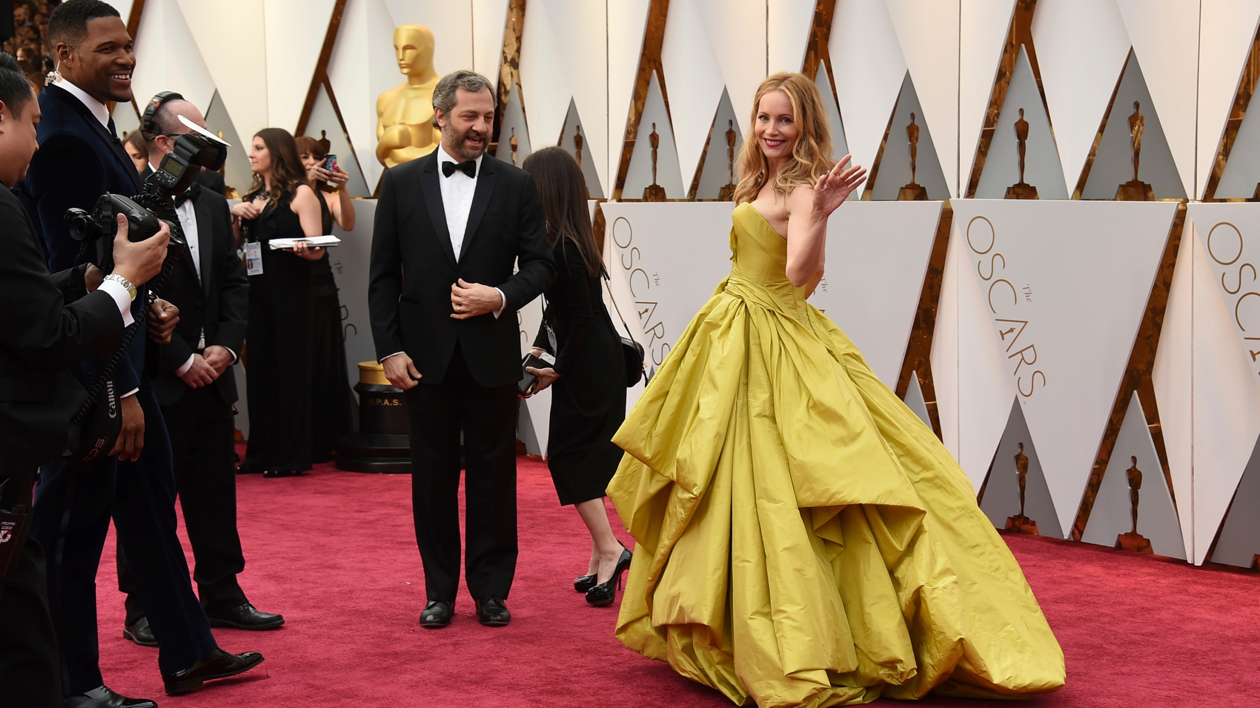 Photos Celebrities Nominees Walk Oscars Red Carpet