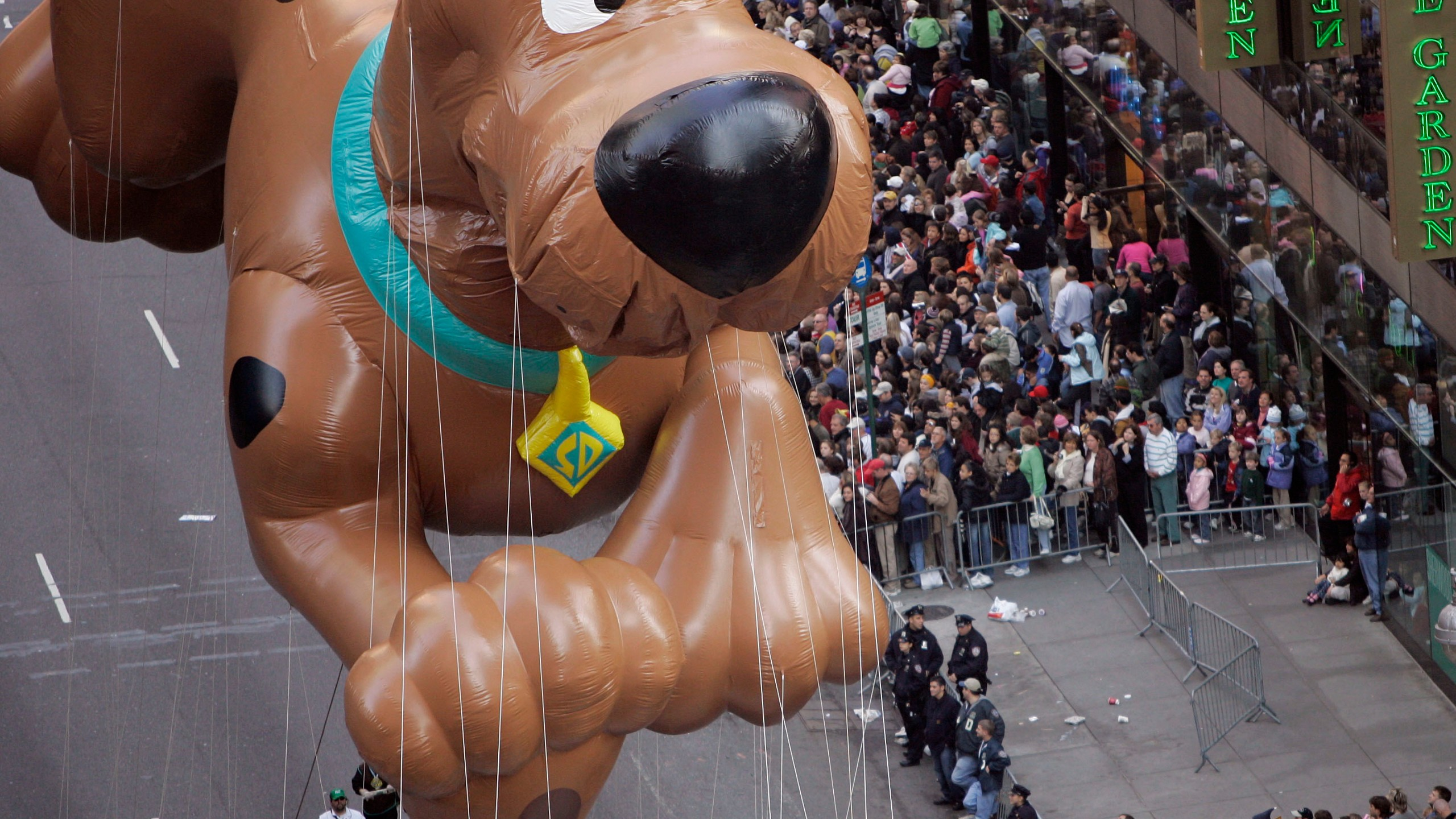 Macys Thanksgiving Day Parade Photo by Jeff Christensen, AP Photo_294461
