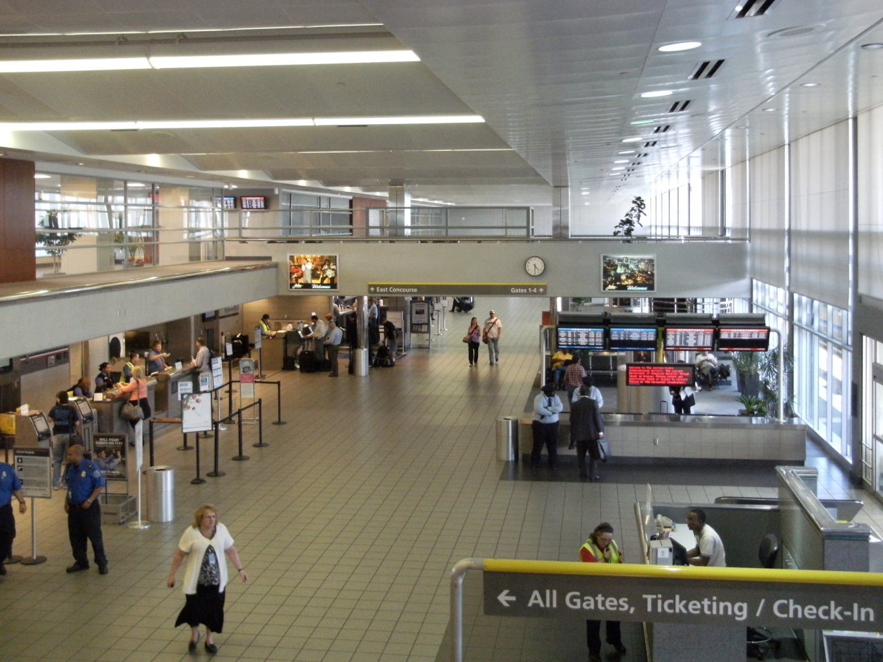 Travelers return from the holidays amid COVID-19 pandemic