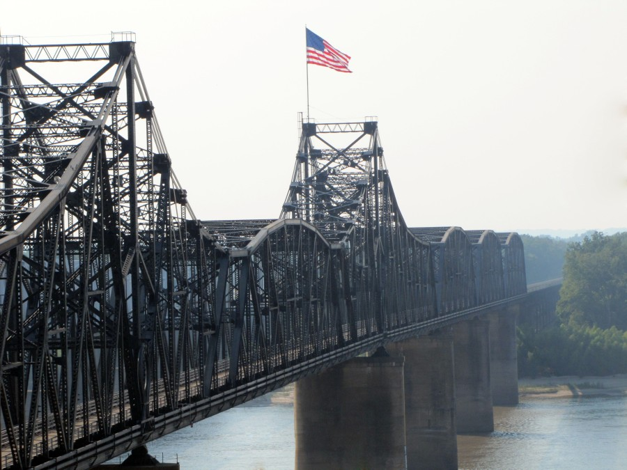 Mississippi_River_Bridge,_Vicksburg,_Mississippi_409336