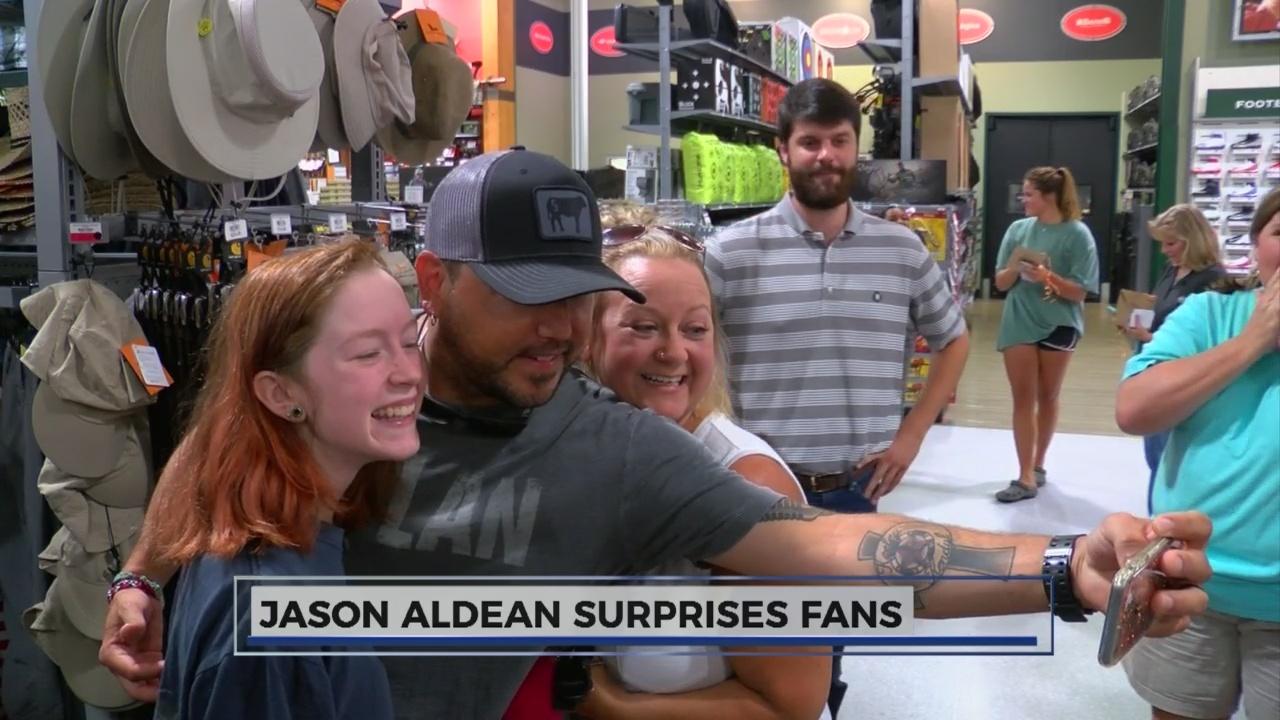 Jason Aldean Surprises fans