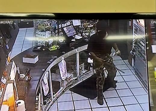 Flowood Shell robbery_1537805445372.jpg.jpg