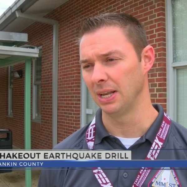 """Rankin County students participate in """"The Great Shake Out"""" drill"""