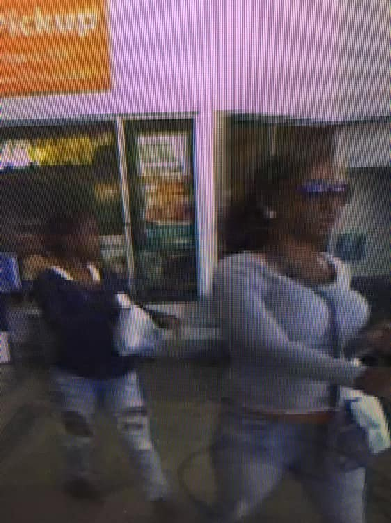 pearl purse thieves 1_1541163113019.jpg.jpg