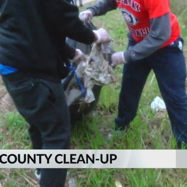 Callaway Football Players Clean Up County Line Road