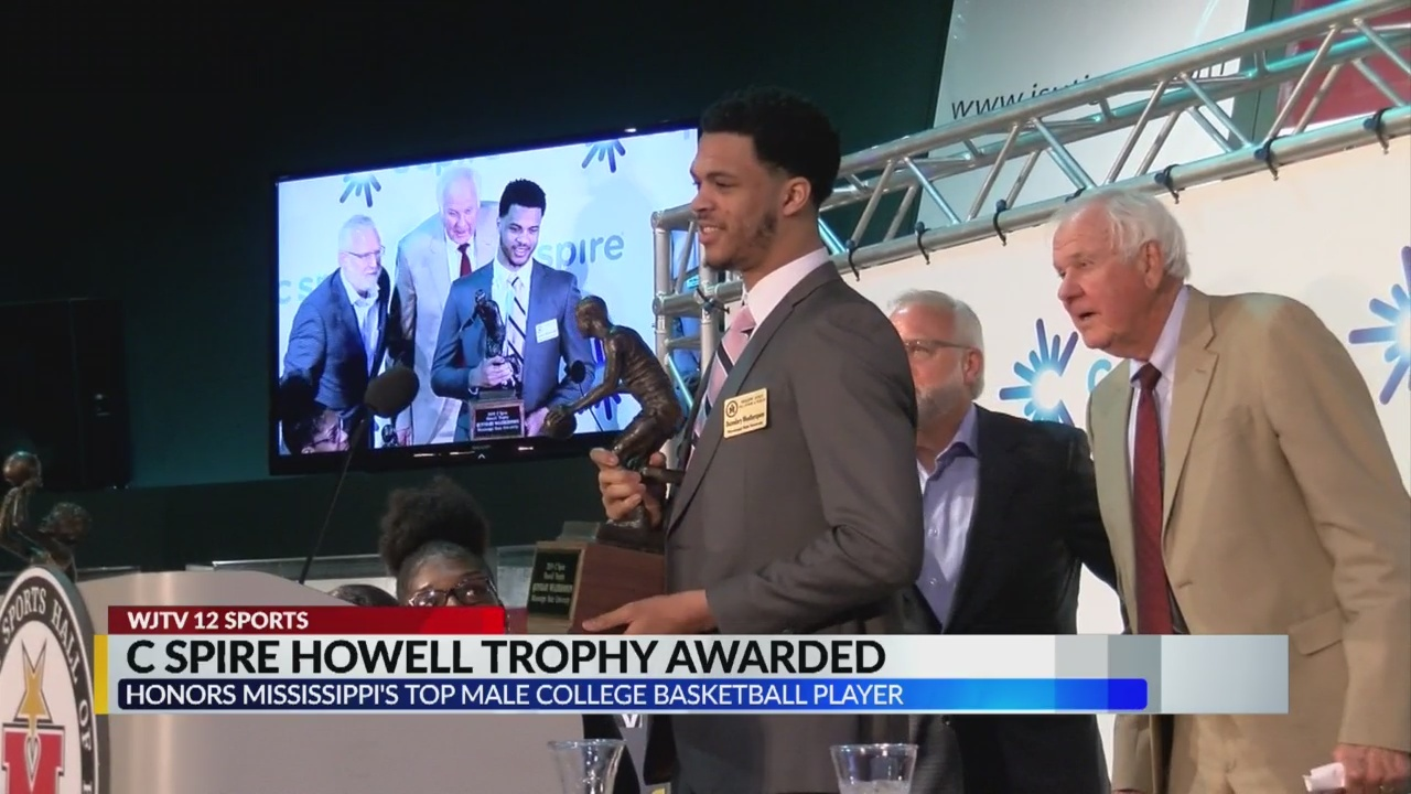 Quinndary Weatherspoon wins C-Spire Howell Trophy Award