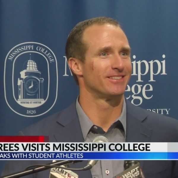 Drew Brees speaks to student athletes at Mississippi College
