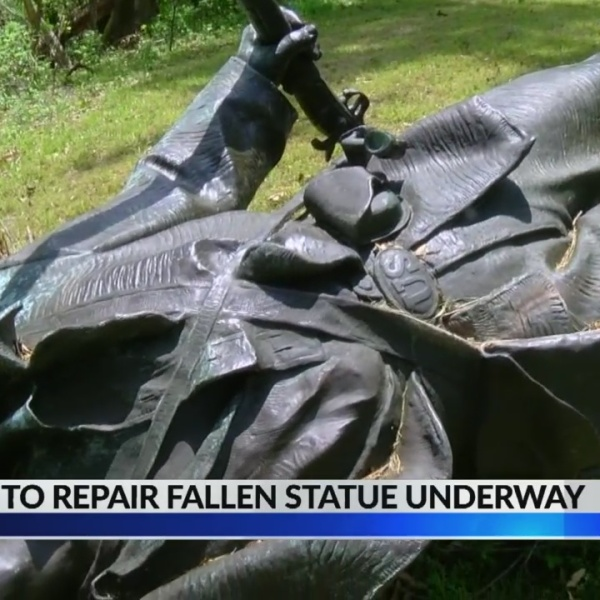 Effort_to_repair_falling_statue_underway_1_20190501224331