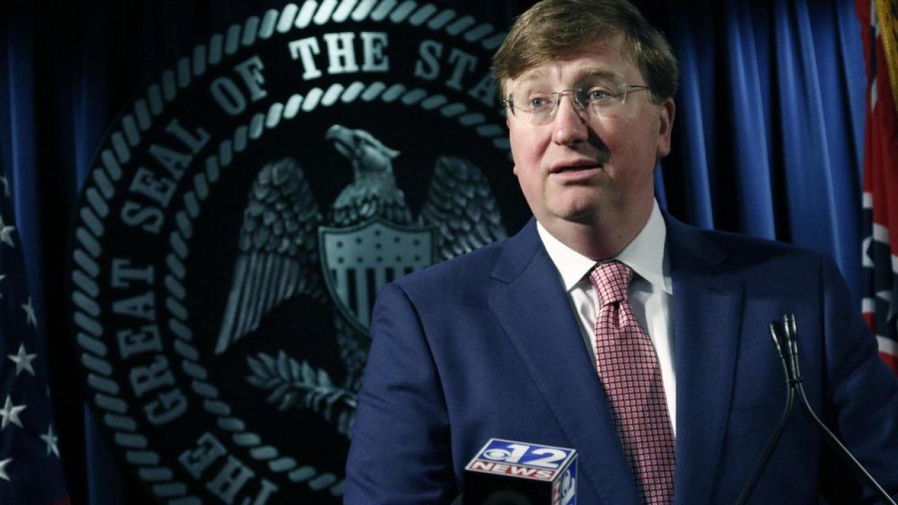 Gov. Tate Reeves to give daily briefing on COVID-19 in Mississippi