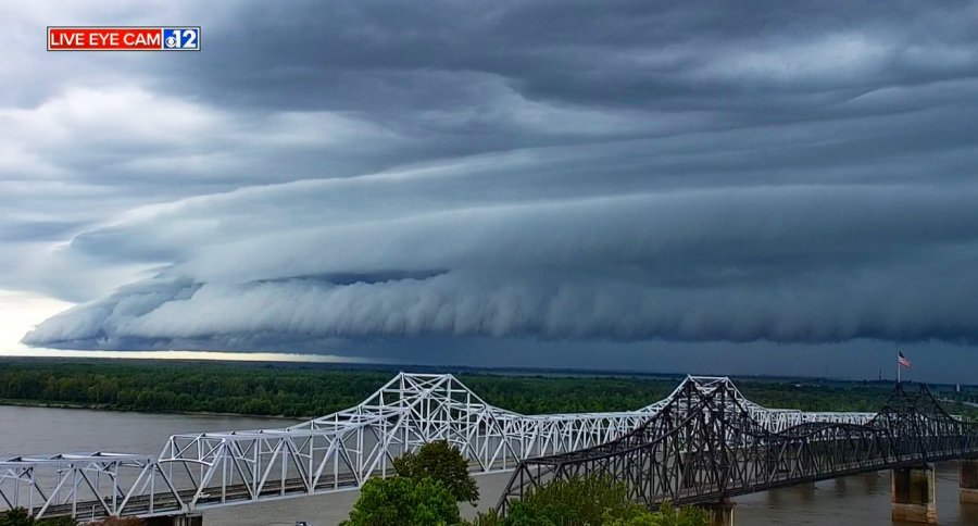 #4 VICKSBURG SHELF CLOUD, August 13th